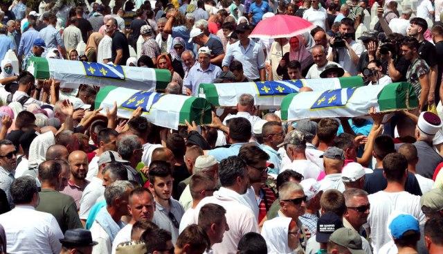 """Leutar.net Objavljen izveštaj Nezavisne komisije o Srebrenici: """"Nije se dogodio"""""""