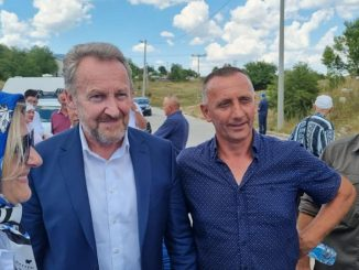 Leutar.net Izetbegović u Fazlagića Kuli: Otkriven spomenik šehidima tzv. Armije BiH