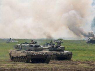 Leutar.net Naređena mobilizacija - Rusi ukopali tenkove na granici