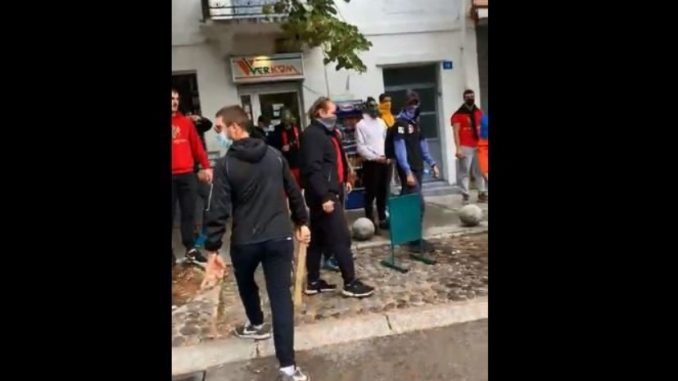 Leutar.net Ekipa N1 napadnuta na Cetinju, demonstranti ih gađali kamenjem (VIDEO)