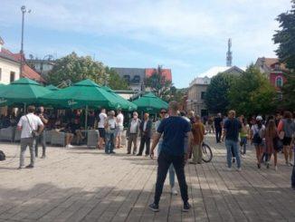 Leutar.net Počeo haos na Cetinju - sukobi policije i komita (VIDEO)