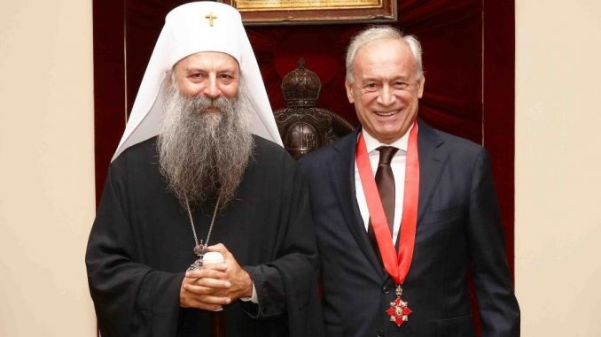 Leutar.net Patrijarh Porfirije uručio Miloradu Vučeliću orden Svetog Save