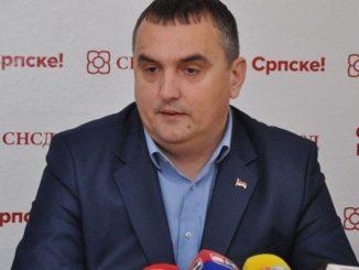 """Leutar.net Šta će se danas dogoditi u slučaju """"PAVLOVIĆ"""": SNSD Prijedor potvrdio da će dati ostavku, on ništa ne spominje, Vukanović prijeti...."""