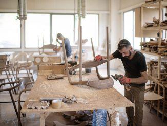 Leutar.net Kako je jedna porodica napravila čudo usred Bosne i Hercegovine, tvornicu luksuznog dizajnerskog namještaja koji je postao svjetski hit