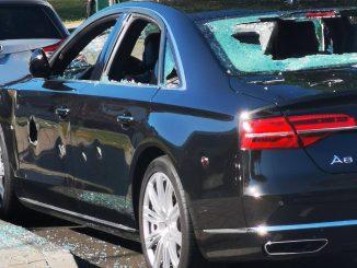 Leutar.net Radnik sjekirom demolirao Audi: mislio da je šefov, uništio pogrešan automobil (Foto)