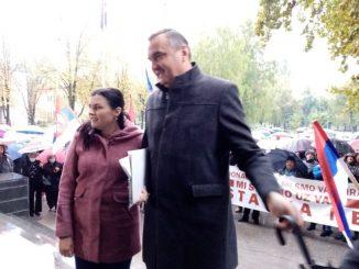 """Leutar.net """"Kriv sam što sam čovjek"""" Pavlović nakon skandala izašao pred Prijedorčane i poslao im poruku"""